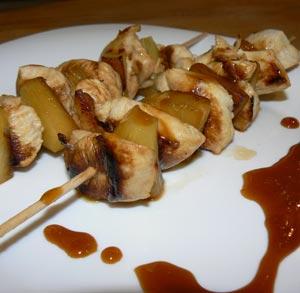 receta-gratis-brocheta-pina-pollo
