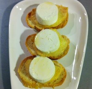 receta-gratis-montadito-queso-manzana-miel