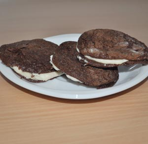 receta-gratis-galletas-chocolate-con-crema