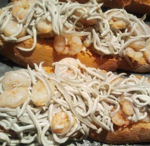 receta gratis tosta de gulas y gambas