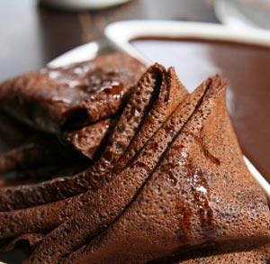 receta de crepes de chocolate helado vainilla nueces