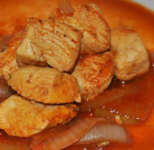 Revuelto de salchichas,espinacas y cebolla caramelizada